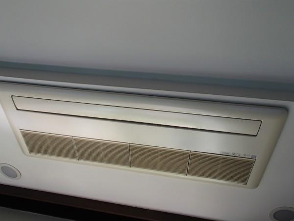 日立製天井埋め込み1方向