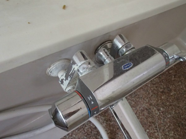 シャワー付き混合栓