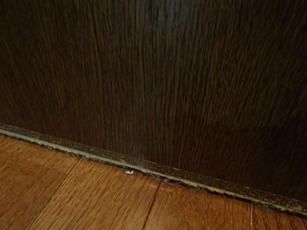 ドアの穴を補修