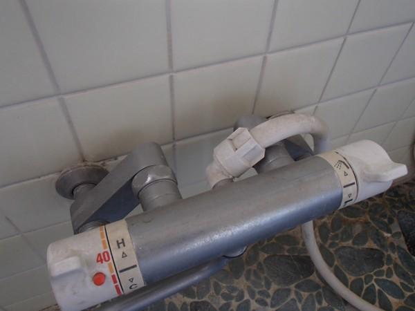 シャワー混合栓