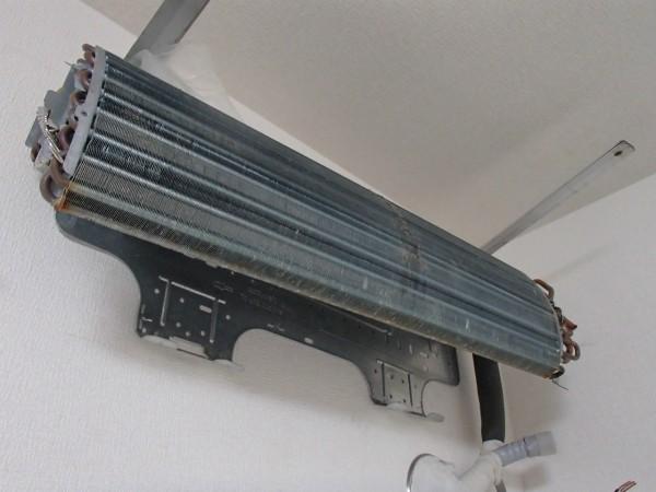 熱交換器だけ残る壁掛けオーバーホール