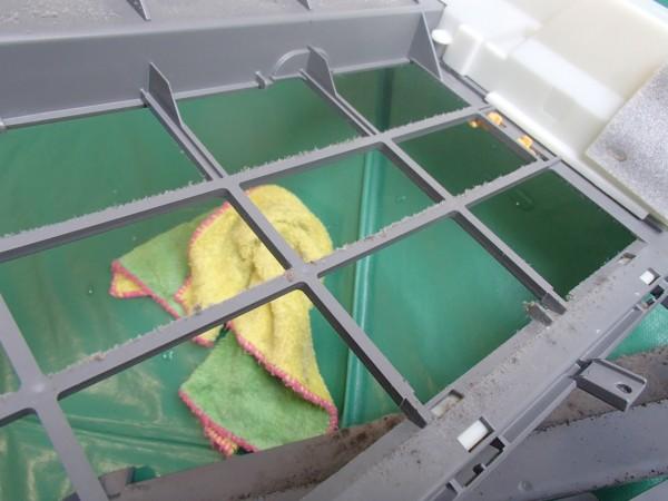 お掃除フレームの内側も汚れる
