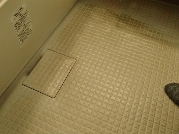 床の石鹸カス