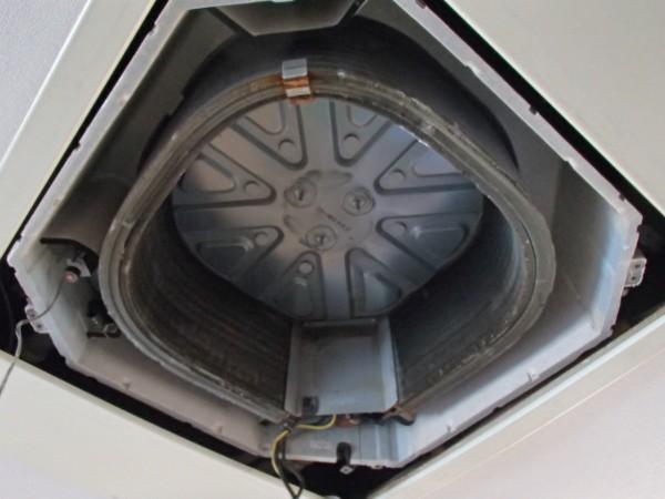 パーツの取り外しが終わった熱交換器