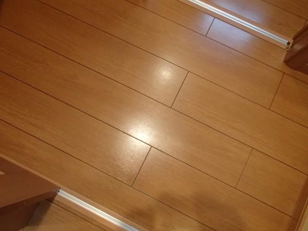 ワックス乾燥後の床