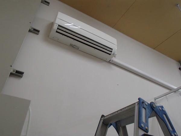 エアコンの設置状況と外観