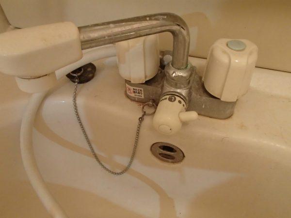 洗面台混合栓とボウル
