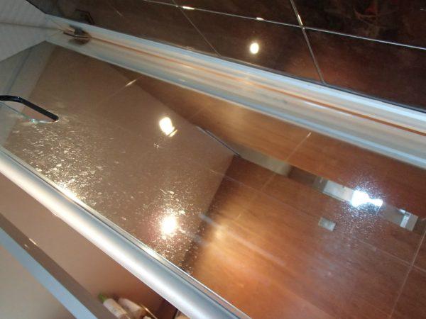 浴室ドア強化ガラス