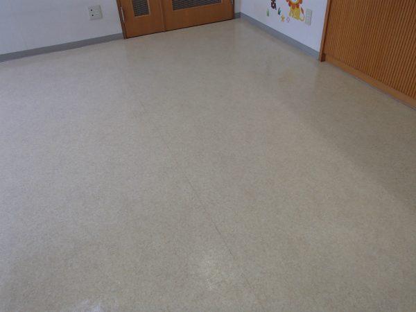 待合室の床洗浄後