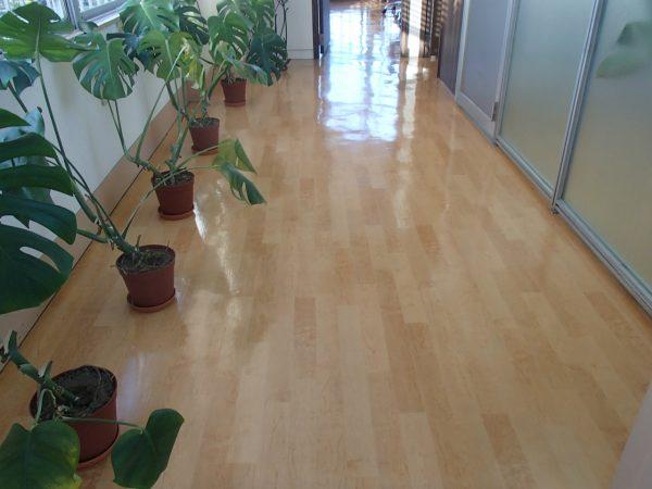 床のメンテナンス
