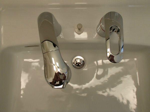洗面台ボウルの研磨