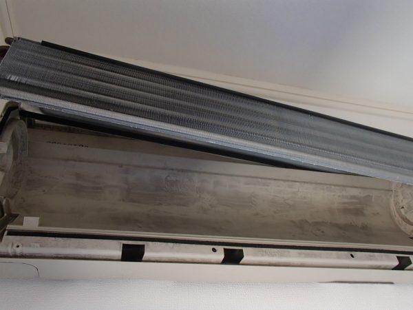 熱交換機と壁側ボディ
