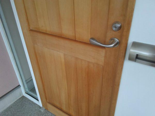 ヒノキのドア