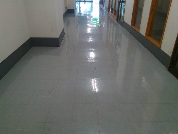 廊下中間部分