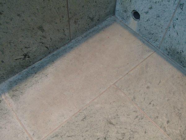 十和田石の浴槽