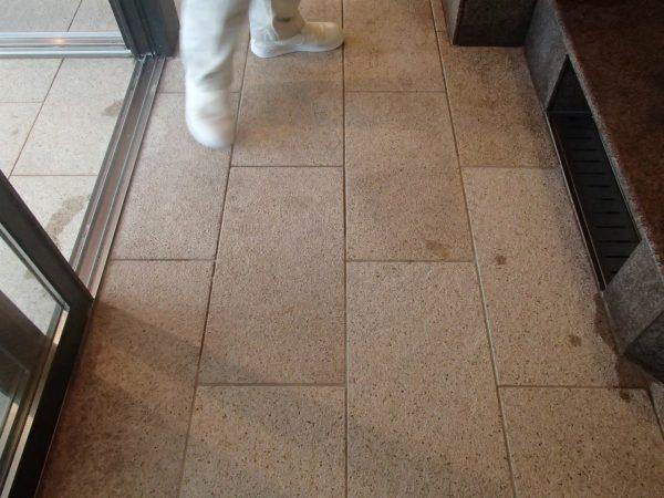 錆御影石の床