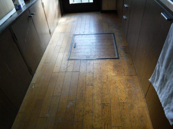 キッチン床のお掃除