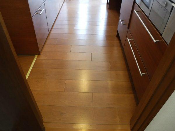 剥離洗浄した床