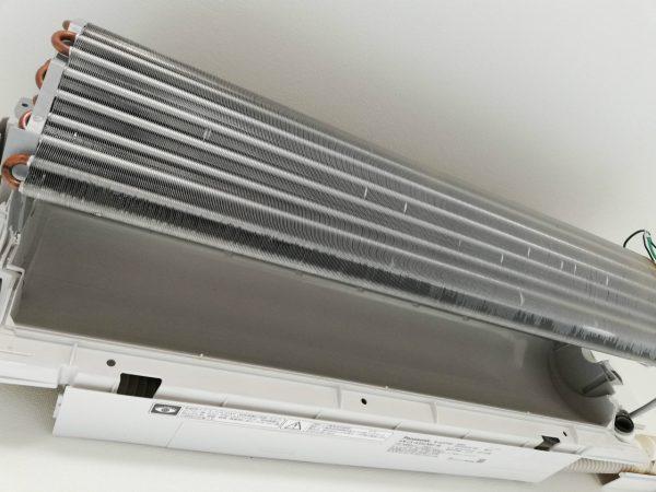 熱交換器と壁側緒ボディ