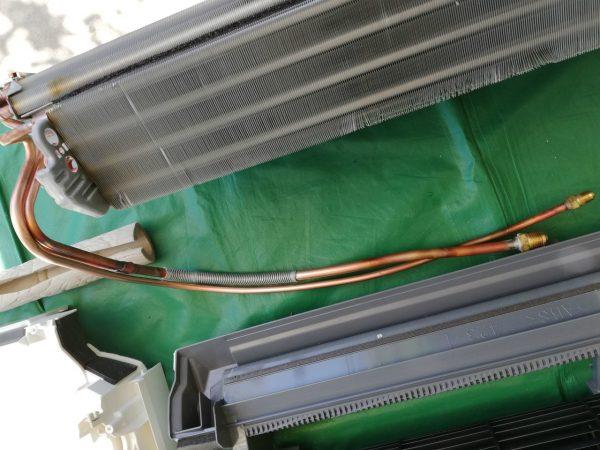 冷媒配管の様子