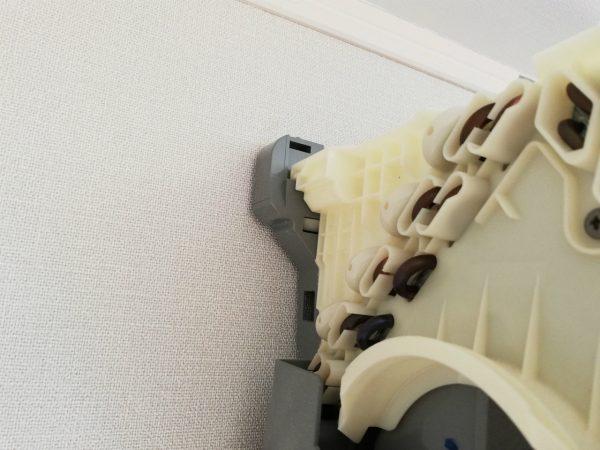 熱交換器左上の爪