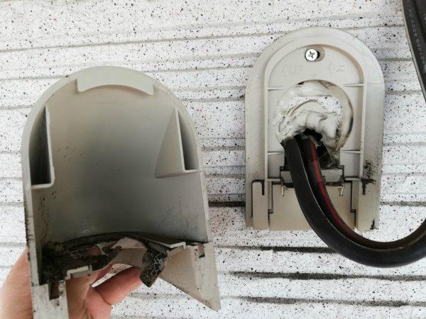 電線引き込みの油