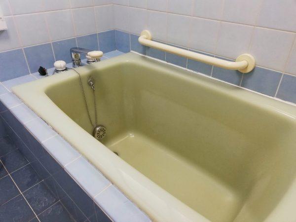 人工大理石の浴槽