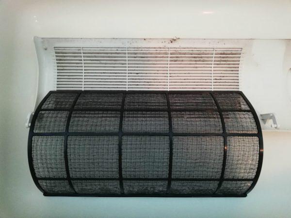 暖房換気扇のフィルターとグリル