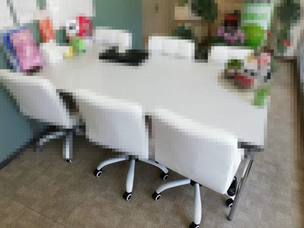 応接用テーブル