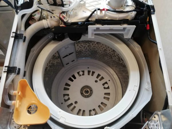 脱水槽取り出しを阻む機器