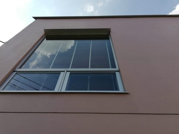 2階窓ガラス