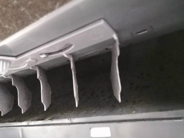 内部送風カーブの汚れ