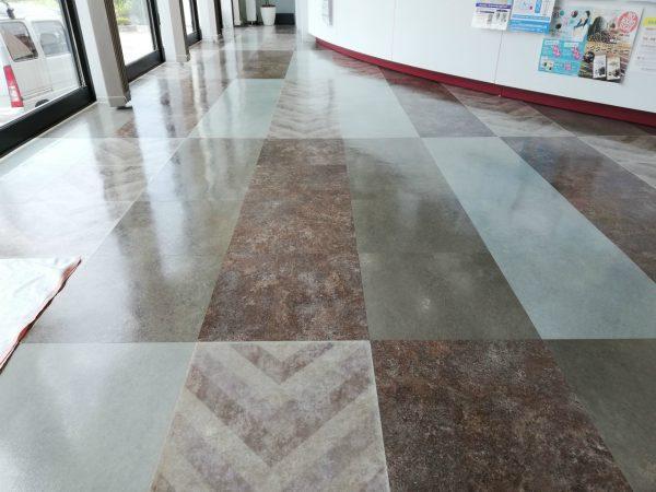 Pタイル床定期清掃