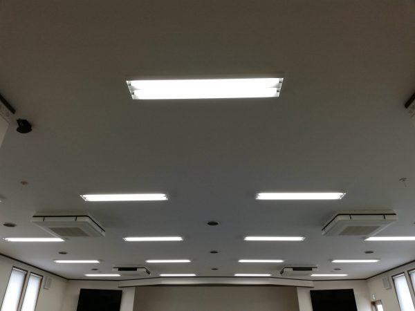 天井吊4方向4台