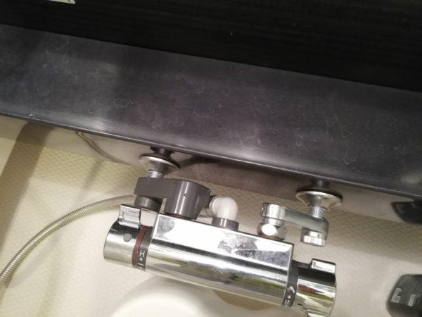 カウンターとシャワー混合栓